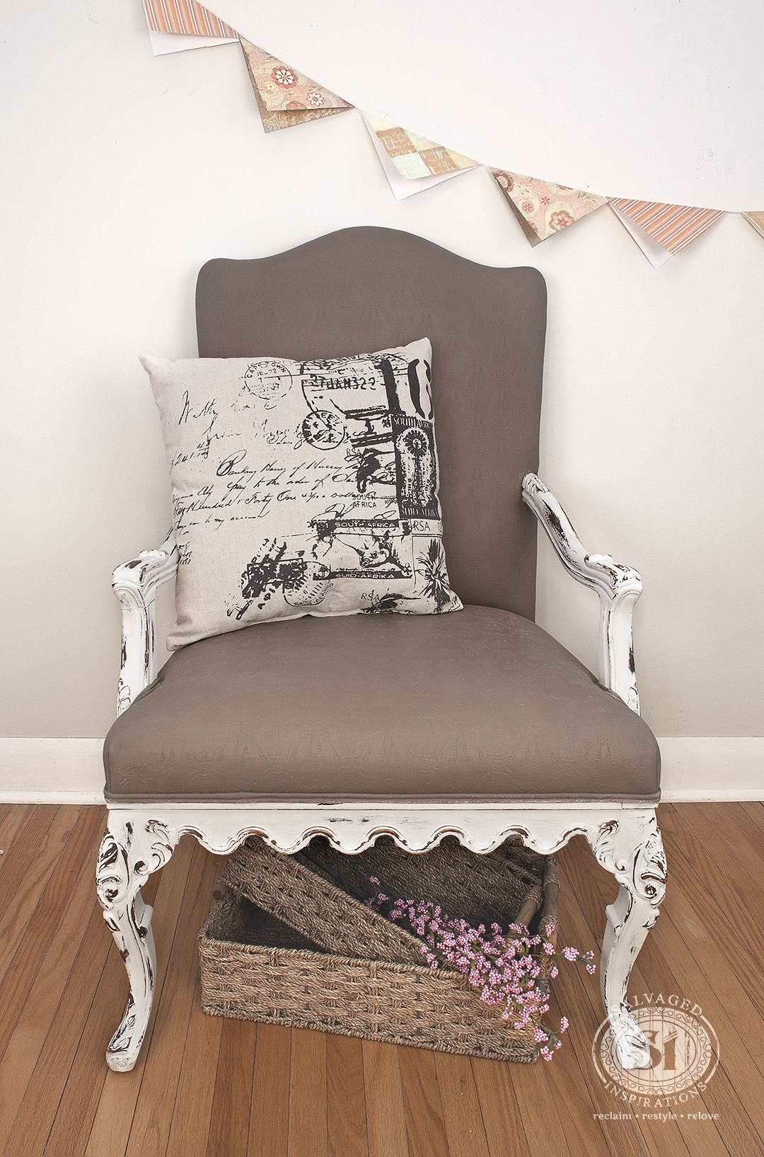 Painting Fabric with Chalk Style Paints: Granny Chair Makeover #paintfabric