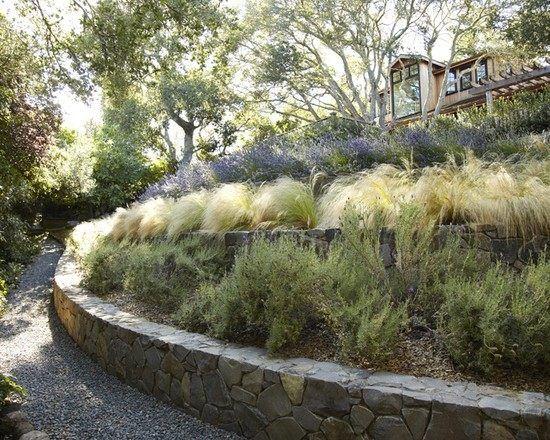 garten hanglage stein ebene absichern ziergräser Garten