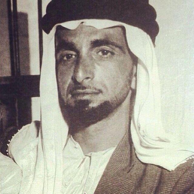 صوره نادره للشيخ سعيد بن شخبوط بن سلطان ال نهيان Alnahyan Pic Webstagram Middle Eastern History Royal Family Photo