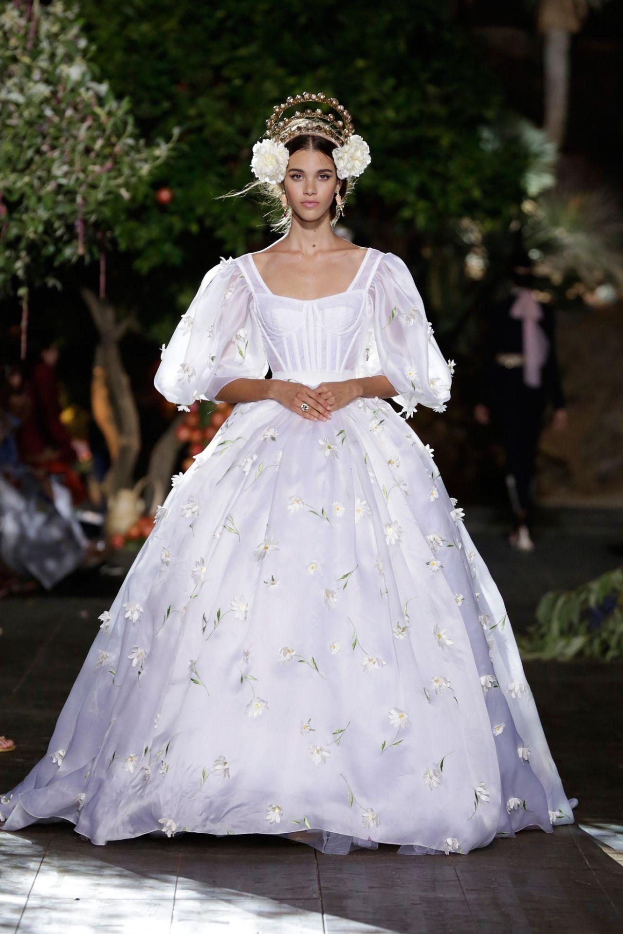30 Anni Di Dolce Gabbana A Napoli Sara Li La Festa Stile Di Moda Dolce E Gabbana Stili Di Abbigliamento