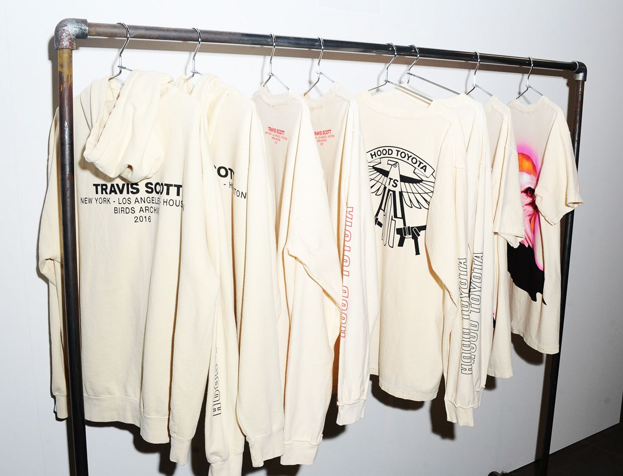 facc3b5fa All You Need to Know About Travis Scott s Los Angeles Merch Pop-Up ...