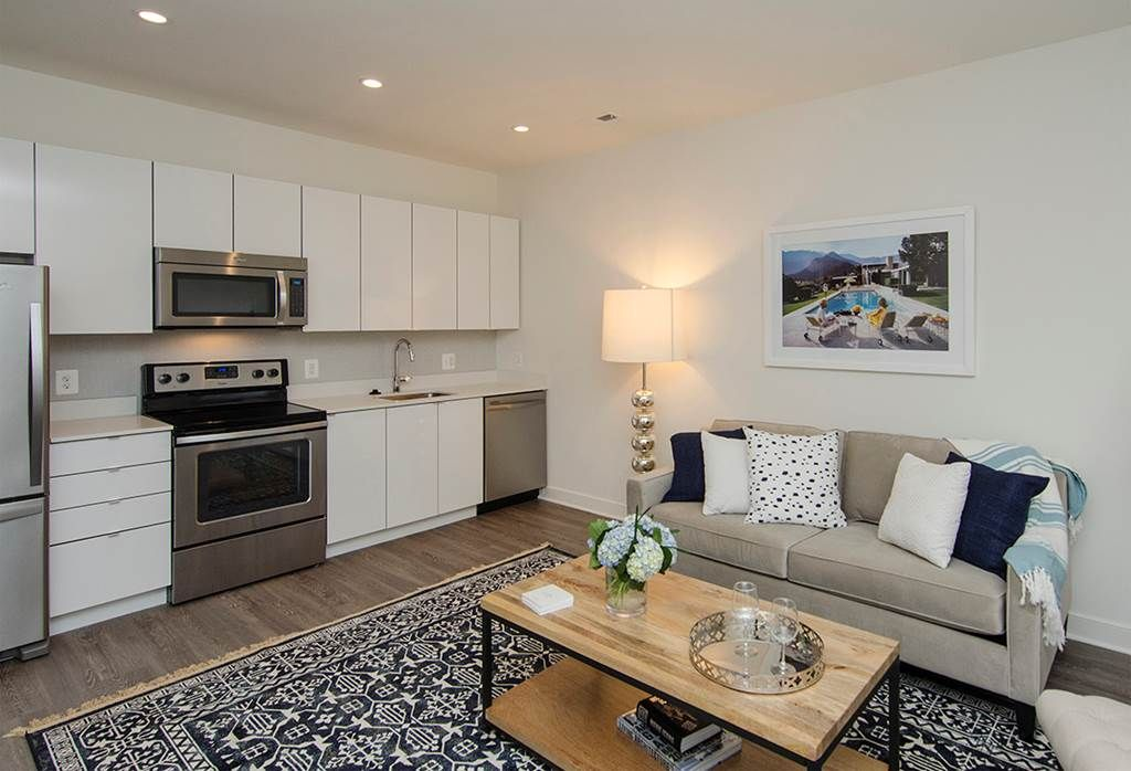 Beautiful 2255 Wisconsin Apartments Near The Metro In Glover Park Area Http Www Rentalsgonewild Com Propertydetai Luxury Apartments Apartment Finder Home