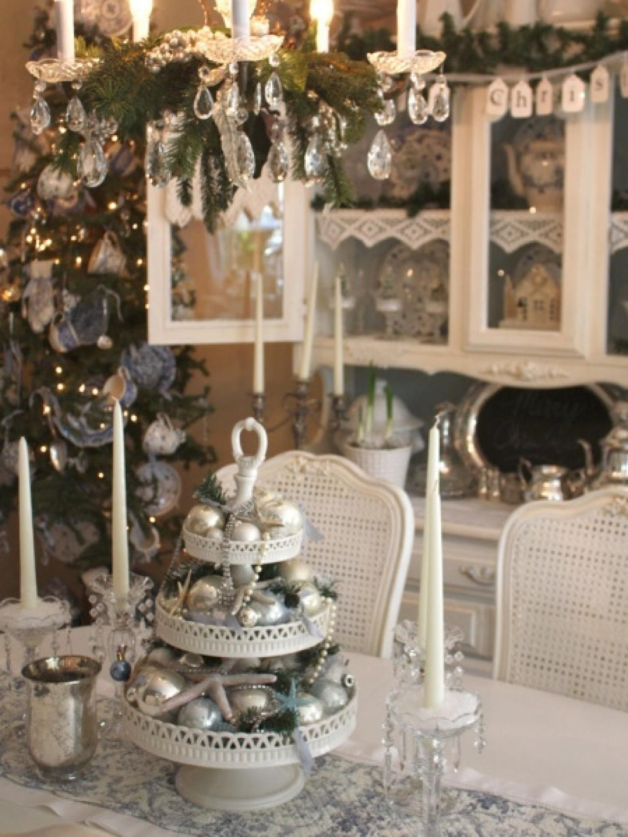 Silver and white christmas table decorations - 28 Christmas Table Decorations Settings