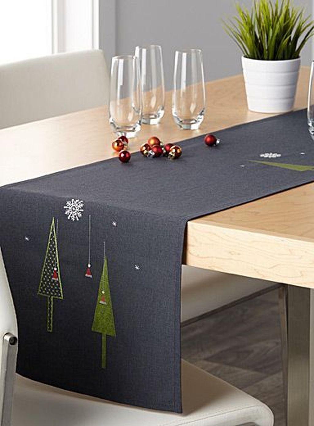 59 Diy Christmas Decor Ideas For The Table Modern Table Runners Christmas Table Runner Christmas Decor Diy