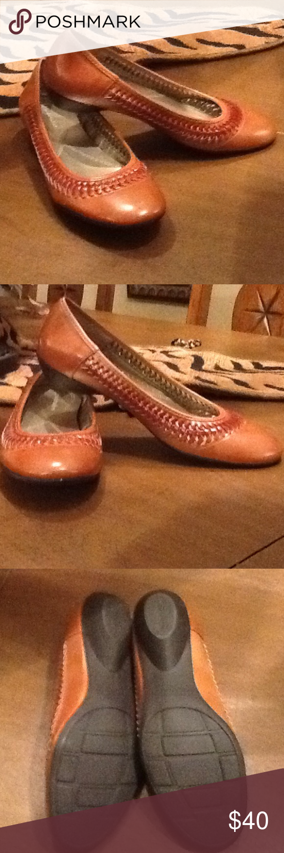 Naturalizer Halia Saddle Tan Never worn, new,excellent condition Naturalizer Shoes Flats & Loafers