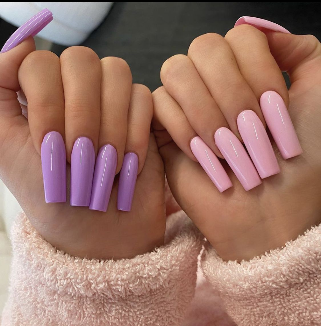 Kylie Jenner Pink Purple Acrylic Nails In 2020 Kylie Nails Purple Acrylic Nails Pink Acrylic Nails