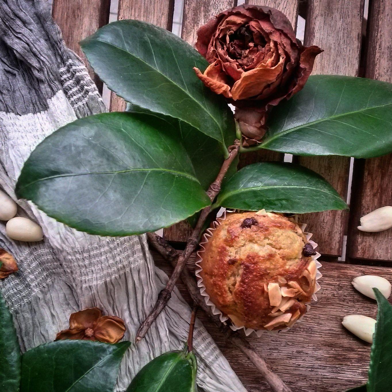 muffin mandorle e scaglie di cioccolato