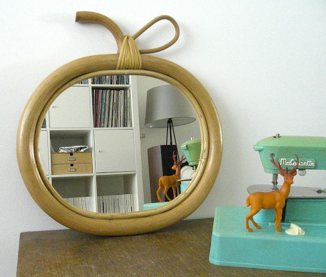 gabulle in wonderland miroir osier pomme gabulle in wonderland blog d co et diy. Black Bedroom Furniture Sets. Home Design Ideas