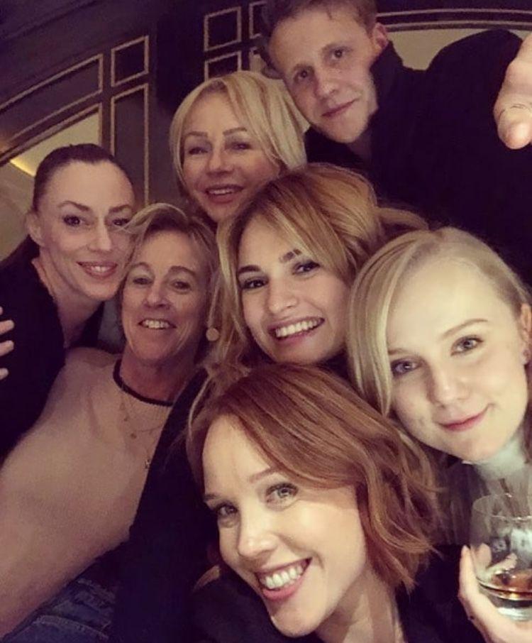 Mia mamma actors in Mamma Mia