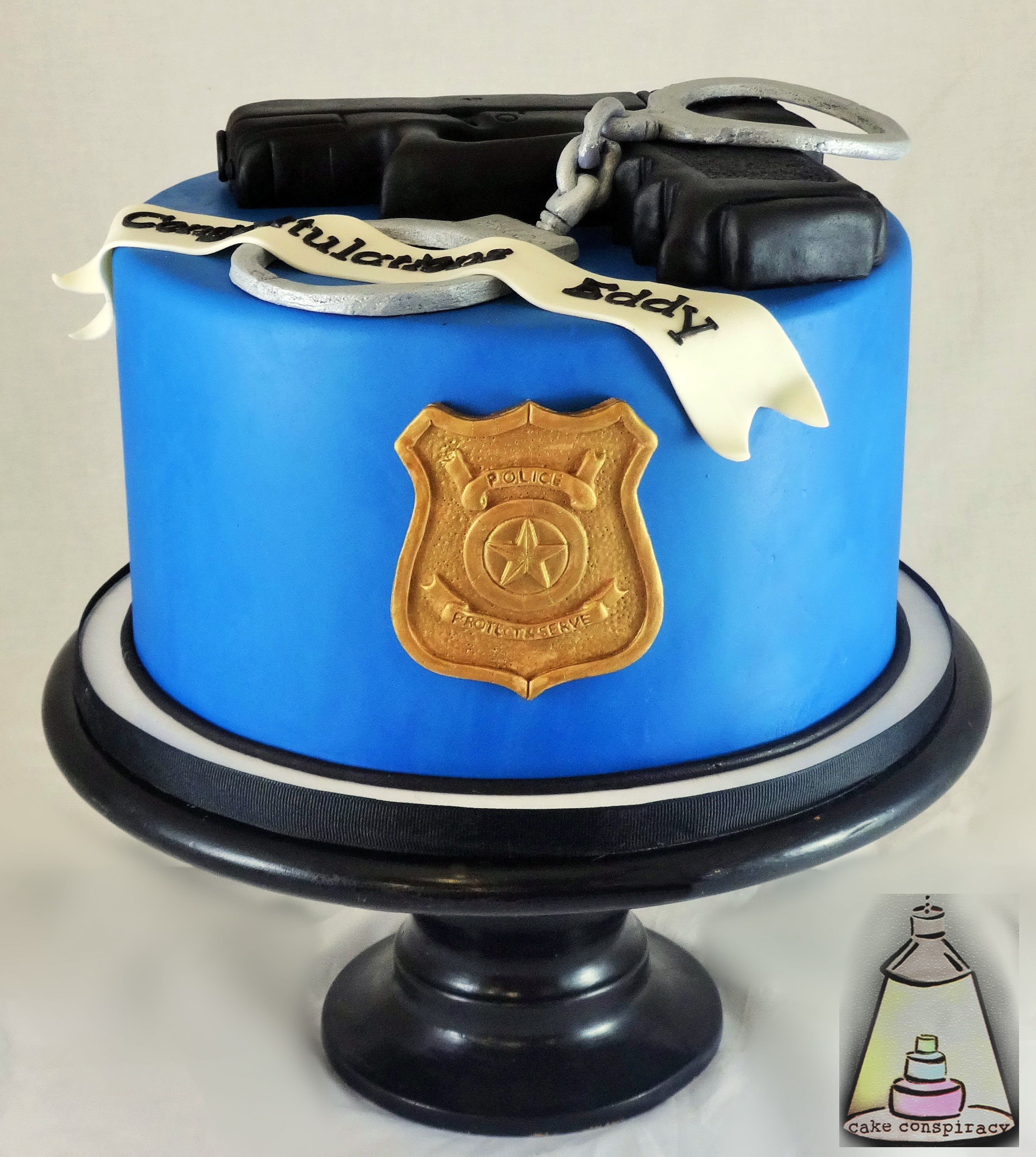 Fine Police Officer Fondant Birhday Cake With Images Police Cakes Funny Birthday Cards Online Alyptdamsfinfo