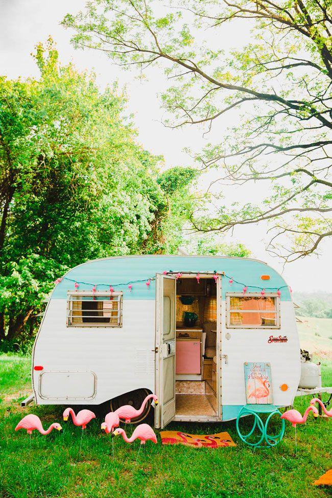 Interior caravana vintage flamengos flamants roses - Interior caravana ...