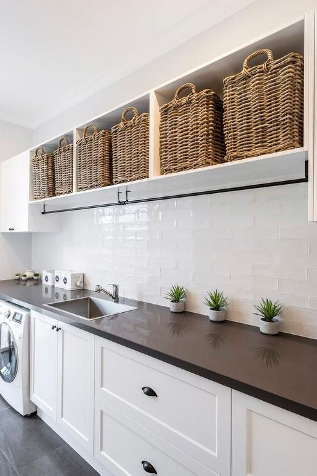 39 Perfect Laundry Room Designs Ideas For Small Space #laundryrooms