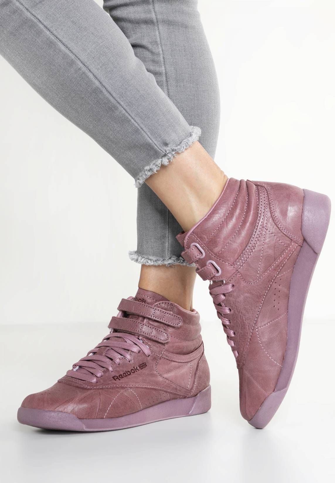 87fc2fd4d66 Reebok Classic. FREESTYLE HI FBT - Sneakers alte - smoky orchid.  Fodera senza