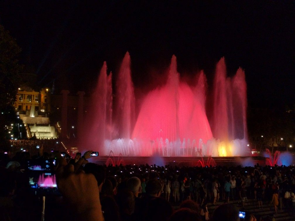 Light & color show at Font Magicà at BCN this summer. Beautiful to watch!