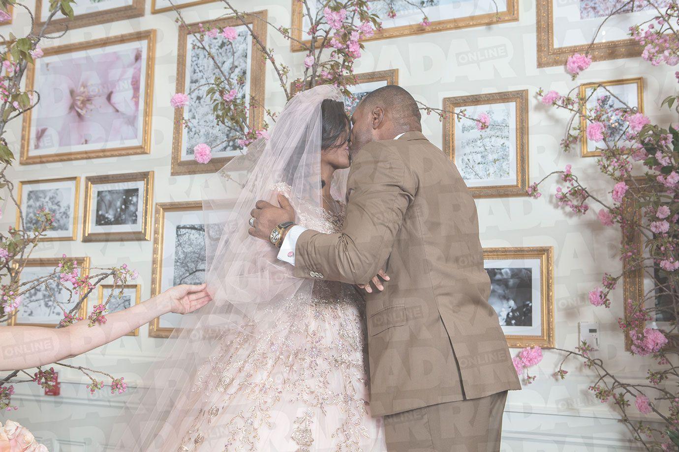 Omarosa Wedding Dress Pics Omarosa Wedding Ceremony First Photos