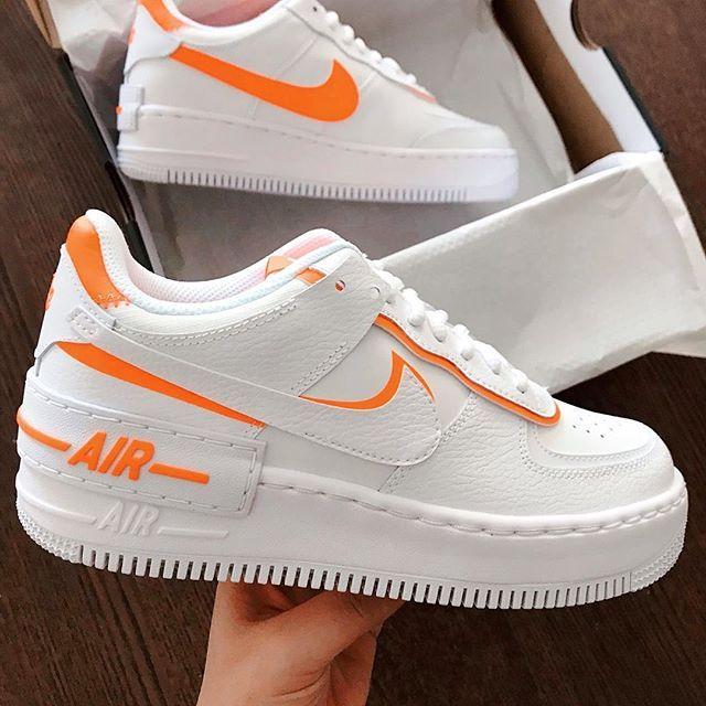 Nike Air Max 270 White Black Total Orange Nike Air Schuhe Nike Outfits Nike