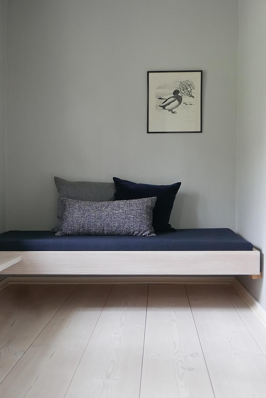 DINESEN, HISTORY AND LEGACY   ELISABETH HEIER. Wohnzimmer Daybed Sofa  Sperrholz Kissen Bauen Modern
