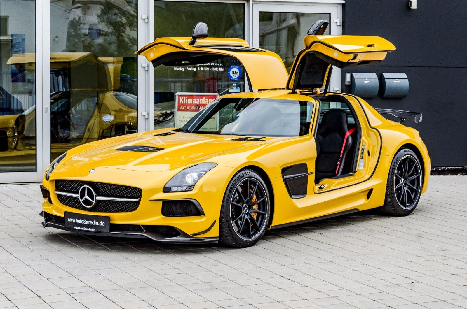 Mercedes Benz Sls Amg Blackseries Unfallfrei Solarbeam Export Price 750 000 Stosk B560 Fuel Consumption In Mercedes Benz Benz Gebrauchtwagen