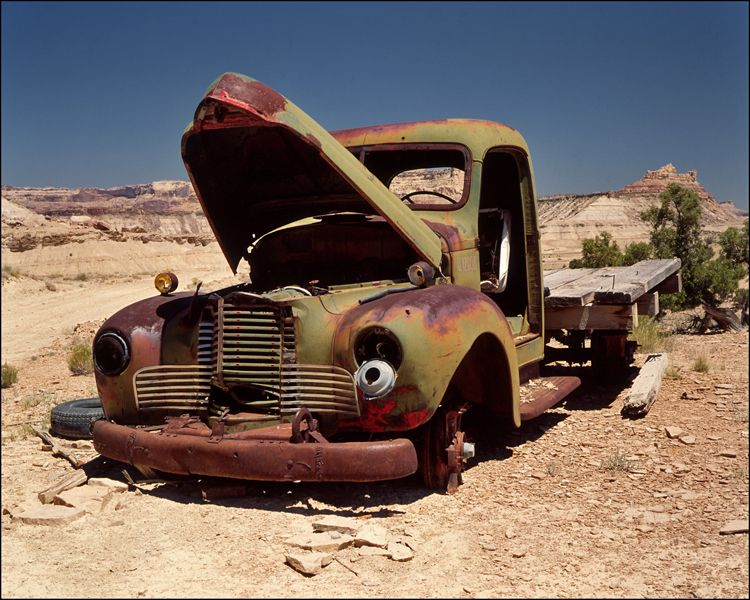 deserted in the desert abandoned vehiclesrusty carsdesertstruck
