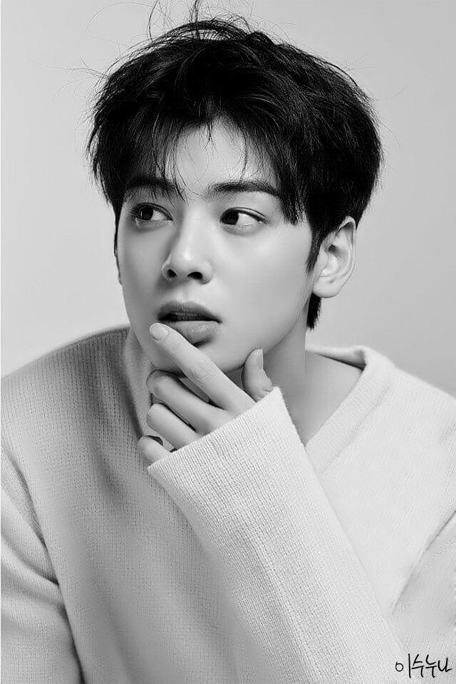 Sweet, handsome Eunwoo
