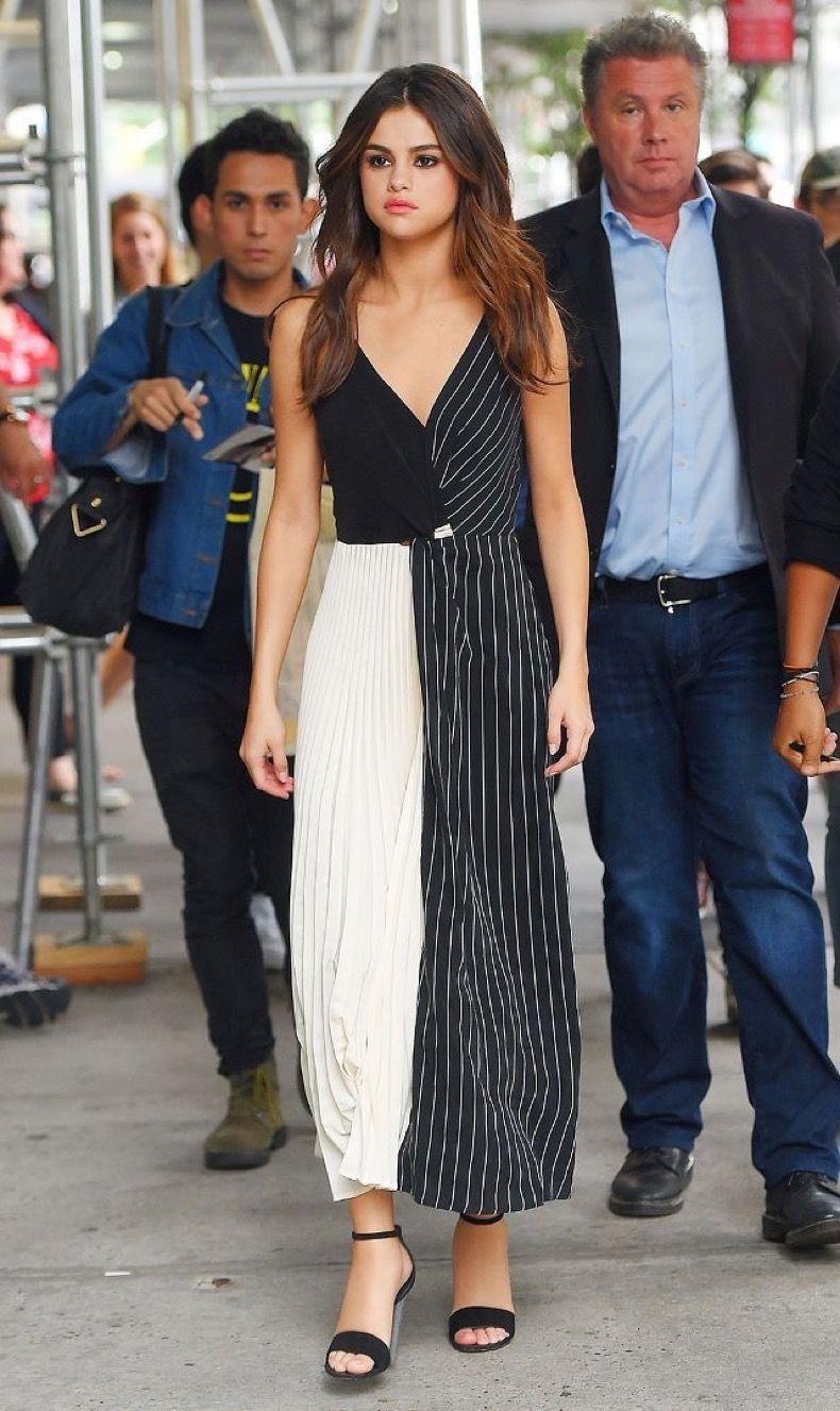 Selena gomez nos ha sorprendido bastante Últimamente con estos looks