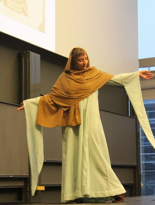0e836e86 Vikingmoten: De elsket farger, pels og silke | forskning.no ...