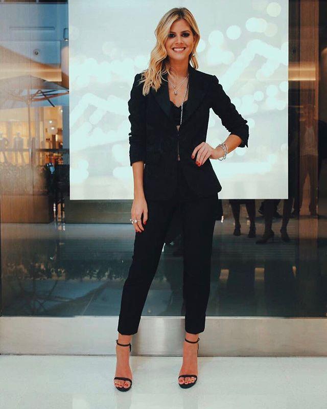@LalaTrussardiRudge está em Brasília para comemorar com a @tiffanyandco a chegada da coleção HardWear na Capital Federal. Inspirada no poder e na energia das ruas de Nova York a linha traz joias com referências rebeldes mas refinadas. E a influencer já está usando várias! #modacomglamour  via GLAMOUR BRASIL MAGAZINE OFFICIAL INSTAGRAM - Celebrity  Fashion  Haute Couture  Advertising  Culture  Beauty  Editorial Photography  Magazine Covers  Supermodels  Runway Models