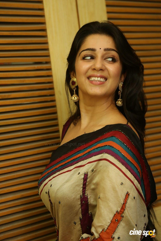 Santabanta Forums Actress Beauty In Hot Saree Photoshoot Pics