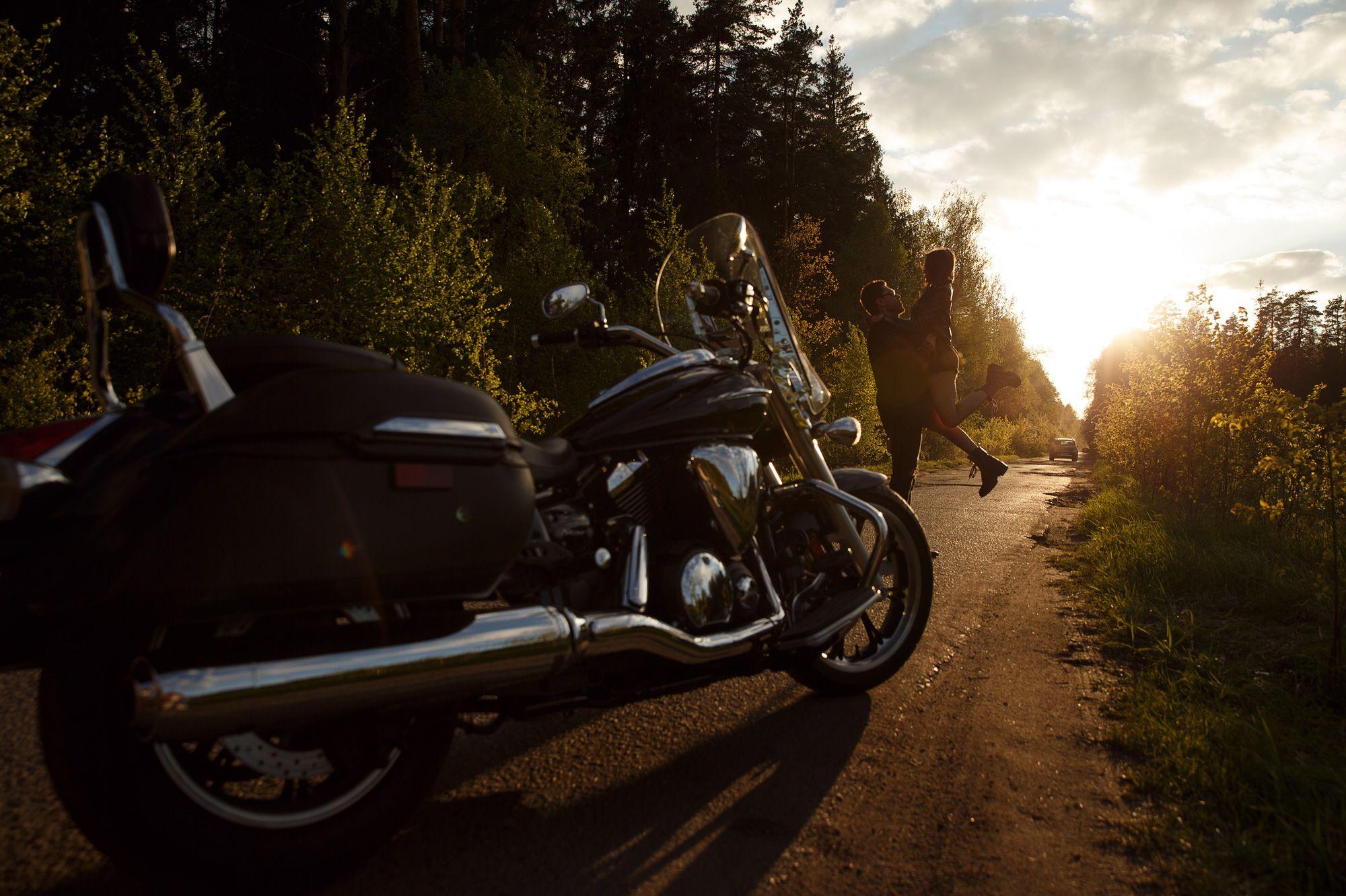 Фотосессия на мотоцикле москва девушка модель одежды вакансии алматы