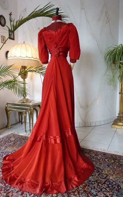 Edwardian Red Silk Gown Circa 1910 Edwardian Gowns Edwardian Fashion Edwardian Clothing
