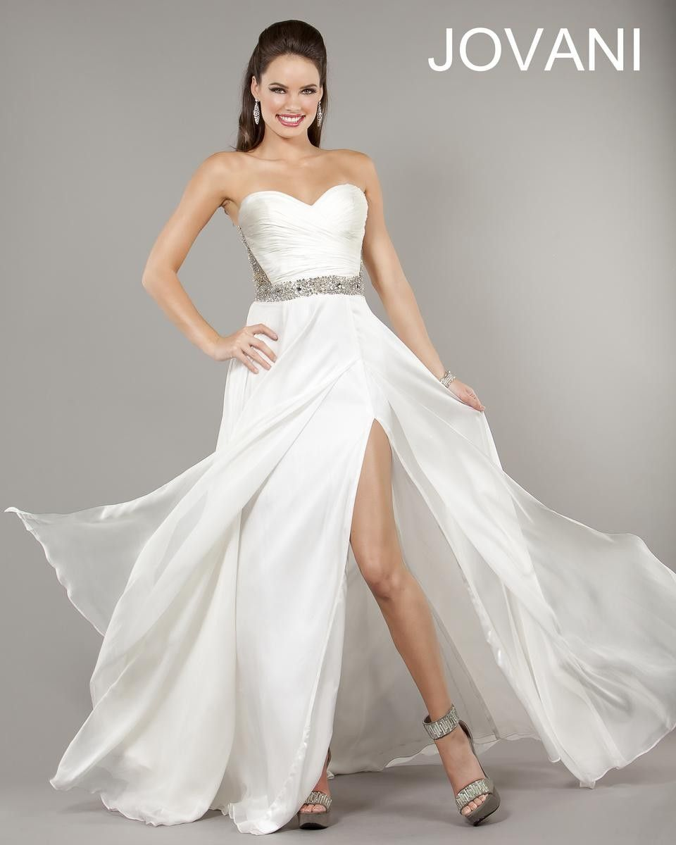 Wedding Gown Under 200: Prom Dresses, Dresses