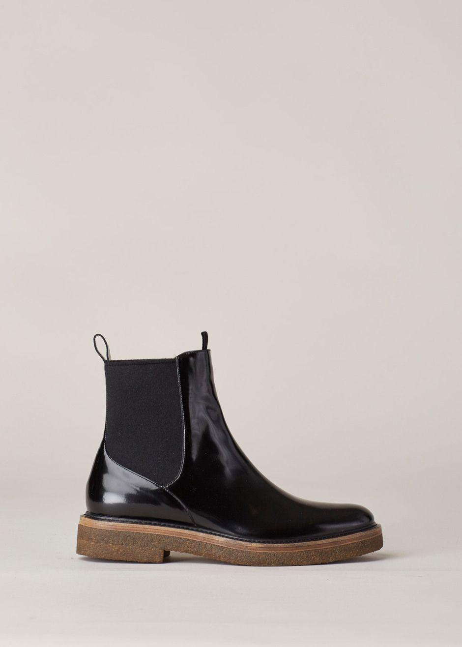 52b0e36a172 Dries Van Noten Pull On Chelsea Boot (Gloss Black)