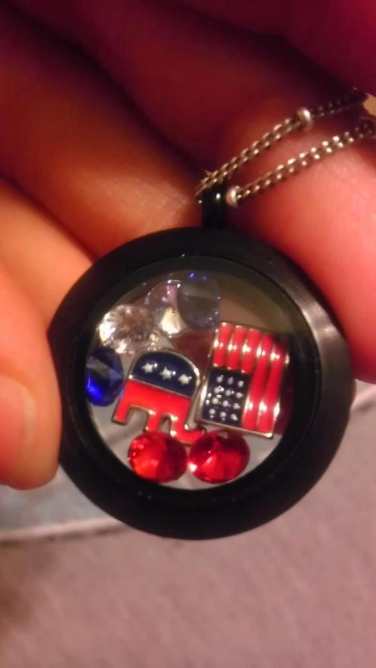 How many charms will fit in your origami owl locket? THIS MANY ... | 960x540