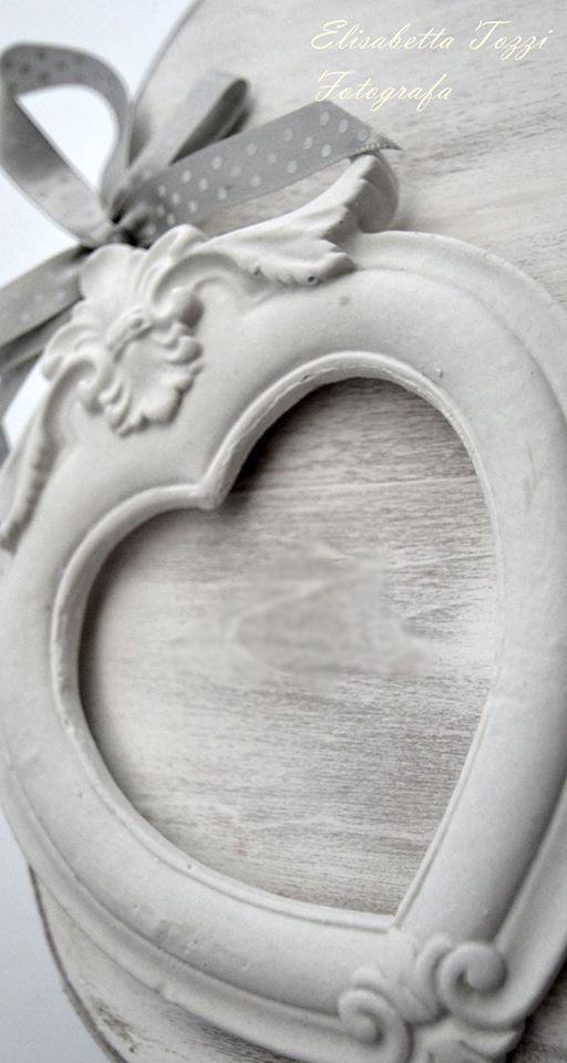 Cornice con decori in gesso profumato accessori casa di armonia di profumi gessetti - Decori in gesso ...