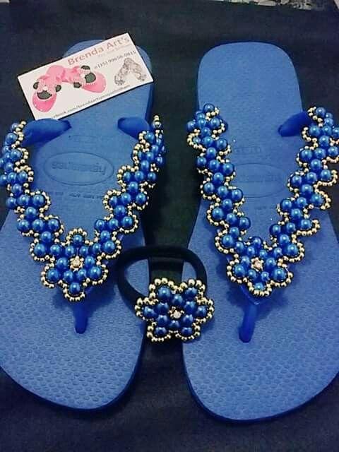 Chinelo decorado com pérolas Azuis