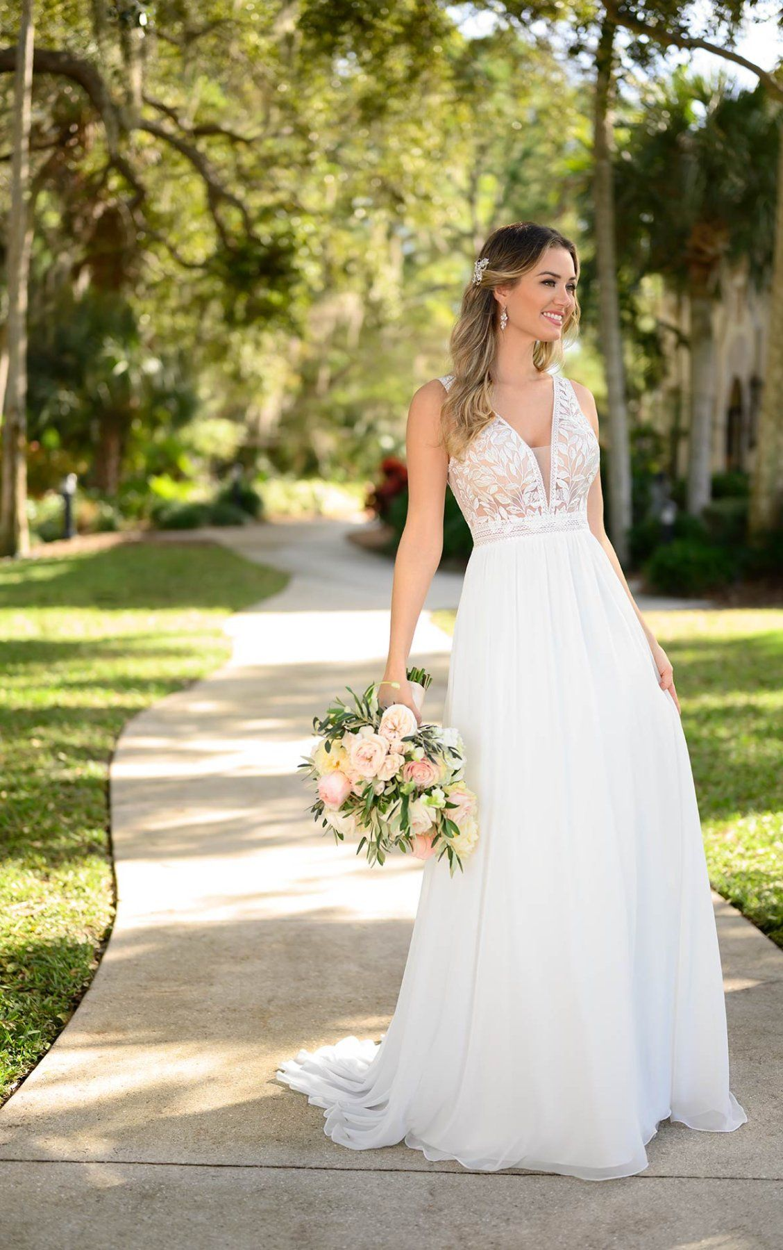 Clean Boho Inspired Wedding Gown Stella York Wedding Dresses In 2021 Wedding Dresses Stella York Wedding Dress Ball Gown Wedding Dress [ 1799 x 1128 Pixel ]
