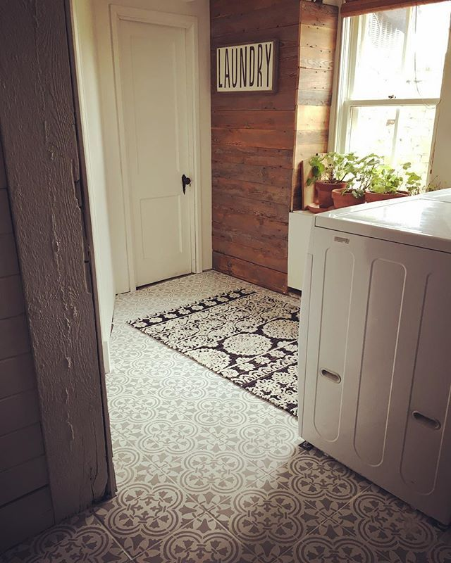 Charmant A DIY Painted And Stenciled Laundry Room Floor Using The Augusta Tile  Stencil From Cutting Edge