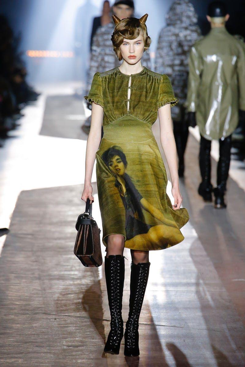 Moschino | Menswear - Autumn 2018 | Look 43