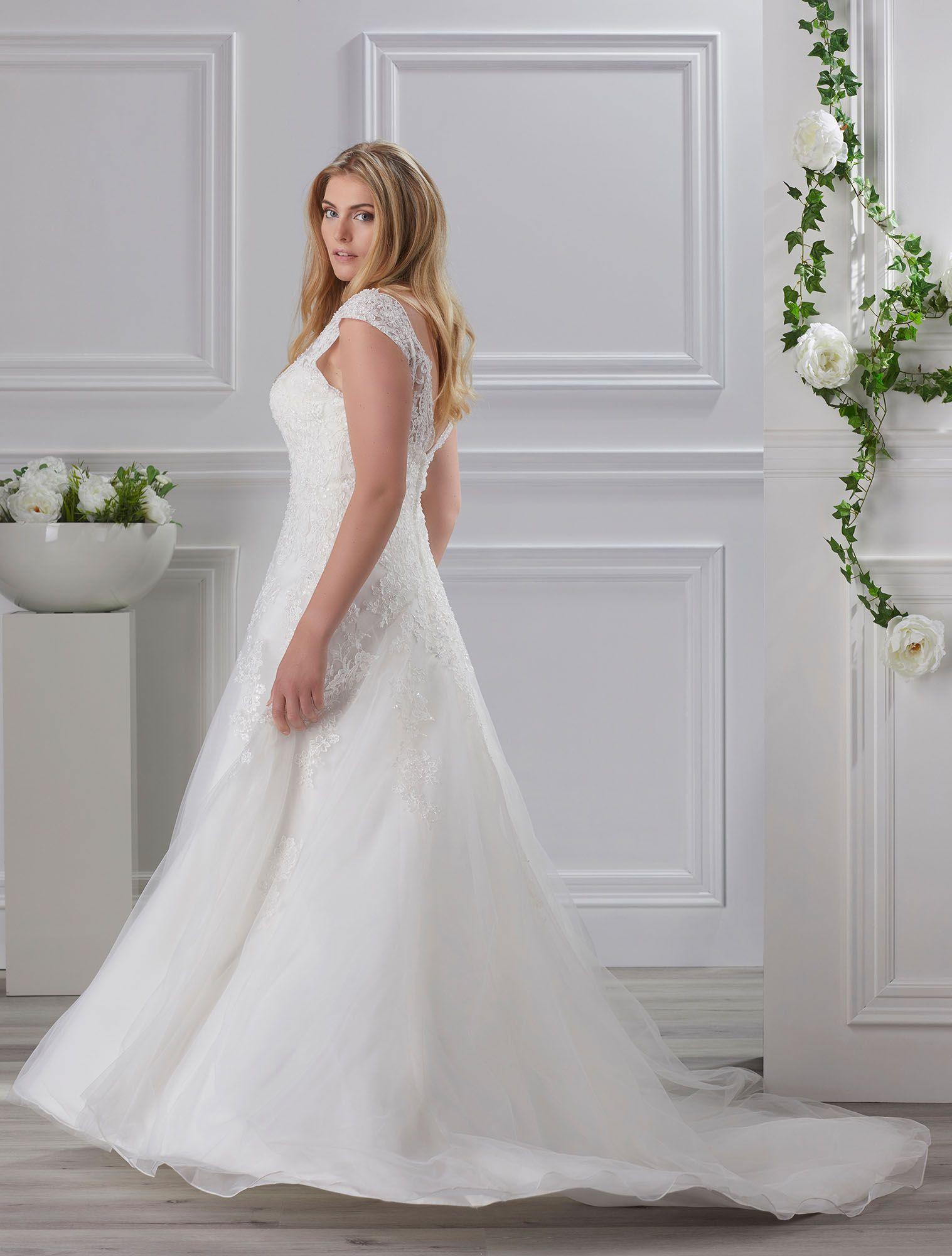 Miss Emily By Tres Chic Plus Size Brautmode Erhaltlich Bei