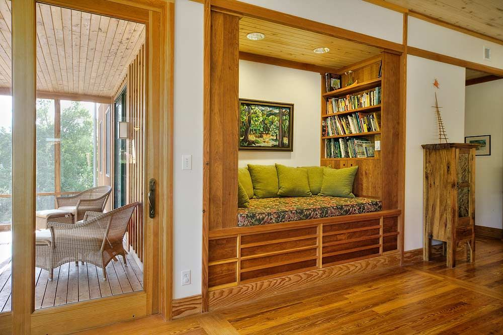 Reading Nook in Living Room | Screened Porch and Reading Nook ...