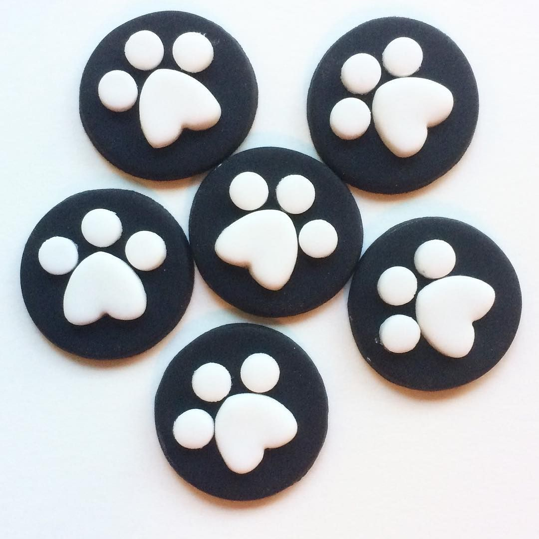Dog paw print fondant mini cupcake toppers
