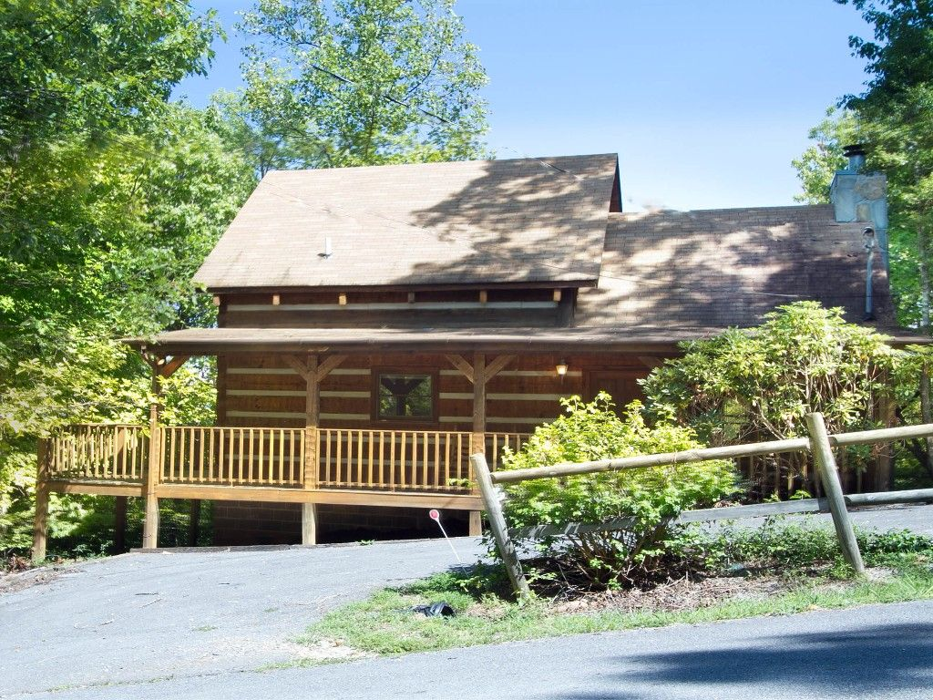 you me jane gatlinburg rent for located cabins in bedroom tarzan cabin