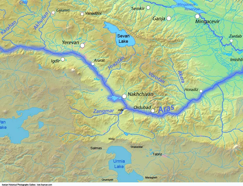 Map showing the aras river in turkey armenia azerbaijan and iran map showing the aras river in turkey armenia azerbaijan and iran also gumiabroncs Gallery