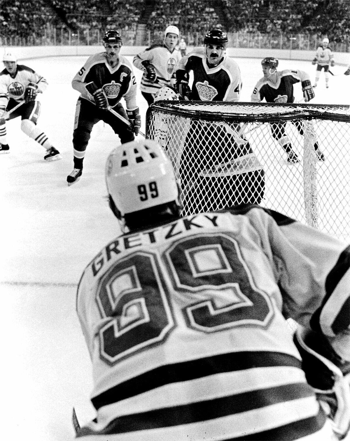 Wayne Gretzky - Edmonton Oilers  401c972d130