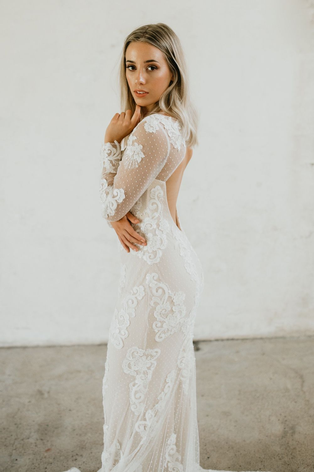 Lace keyhole back wedding dress  Florence Bridal Gown Exclusive Luxe Collection  CASAMENTO  WEDDING