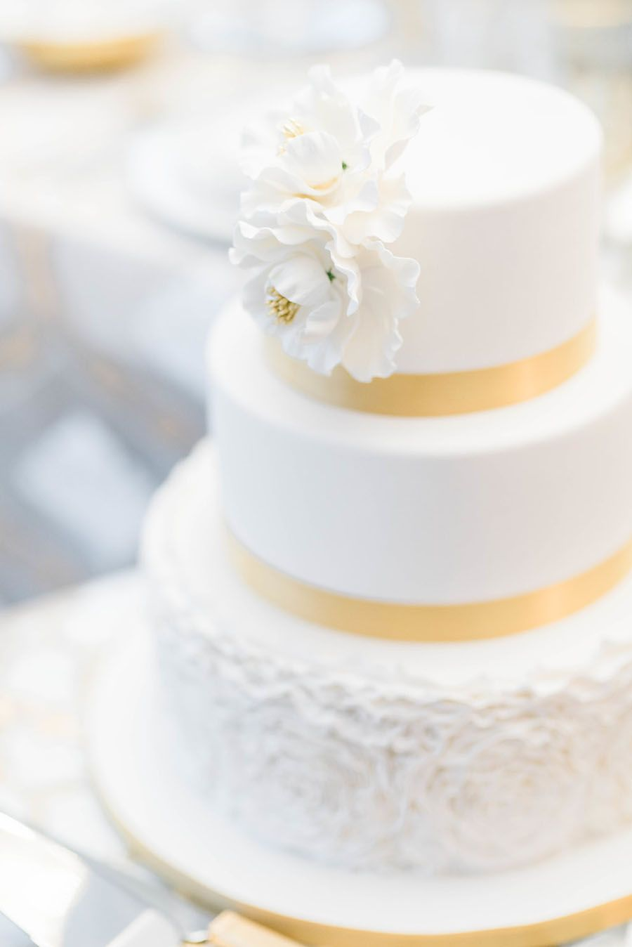 All The Glitz And All The Glam Holiday Wedding Inspiration   Gold ...