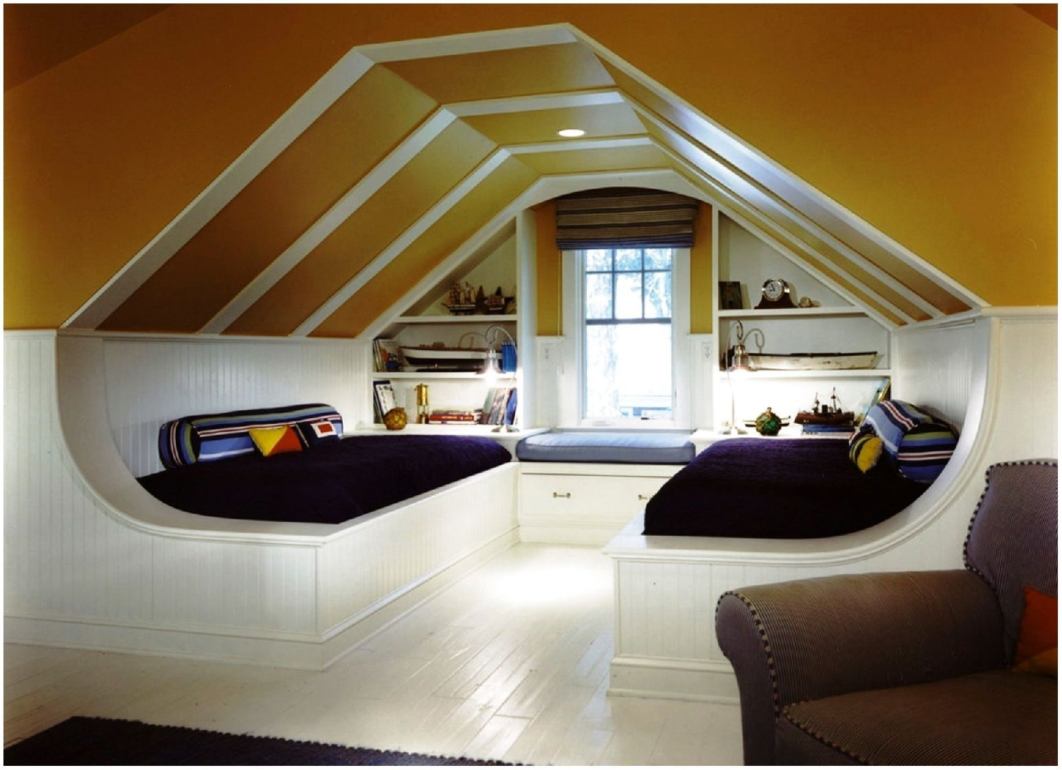 Brilliant Photo Of Modern Attic Bedroom Designs Attic Rooms Attic Design Attic Renovation