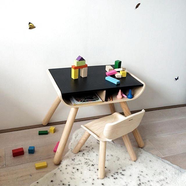 Bord och stol barnmöblar till barnrummet ekologisk från