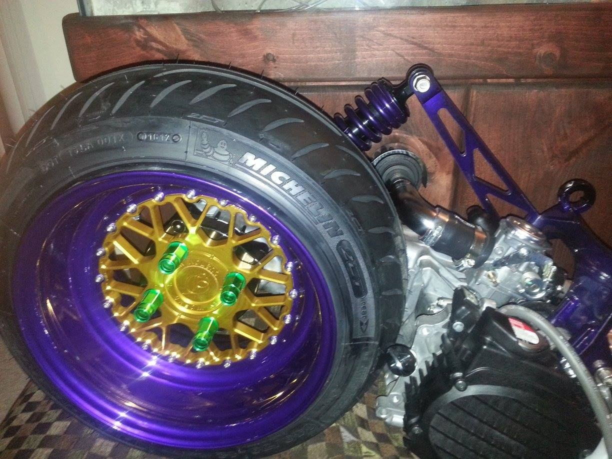 "Honda Ruckus 50cc engine, 12x4 Dorby Works Mesh Love wheel and 10 1/2""  stretch kit with low down shock."