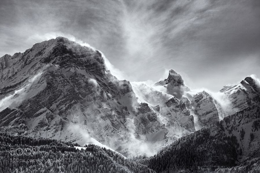 Popular on 500px : Windy peaks by 500V4